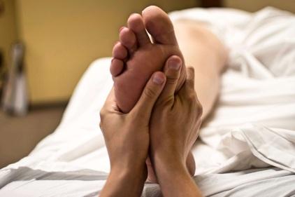 foot-massage-2277450